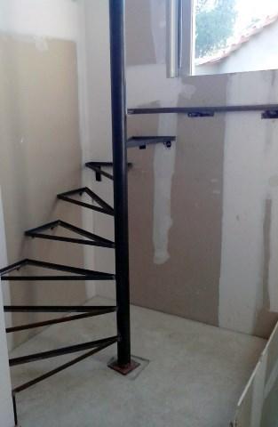 fabrication-escalier-metal-ferronnerie-durand-hyeres-var-480