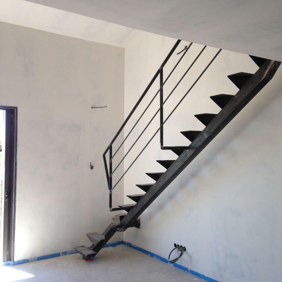 escalier-metal-3-exterieur-ferronnerie-durand-hyères-var