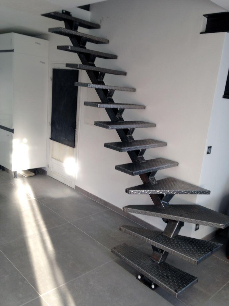 escalier-metal-6-ferronnerie-durand-hyères-var