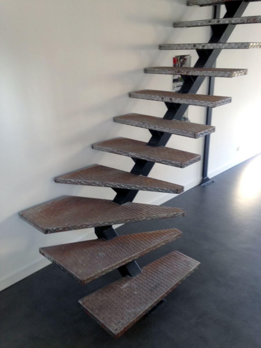 escalier-metal-8-ferronnerie-durand-hyères-var